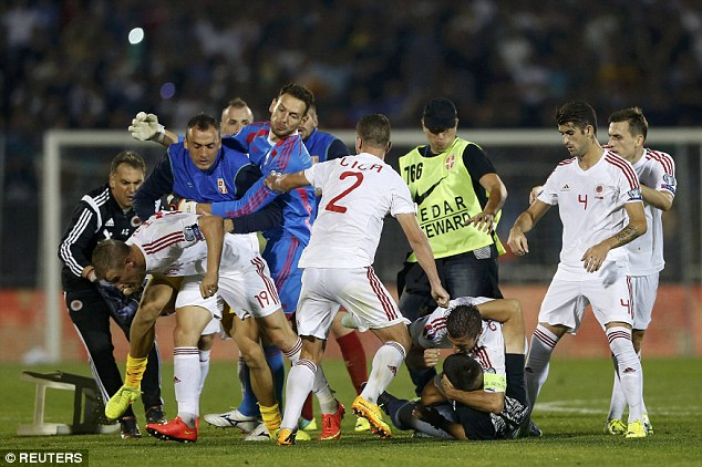 1413317914712_wps_73_Fans_and_players_of_Serbi