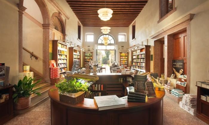 Libreria Palazzo Roberti, Bassano del Grappa, Itali